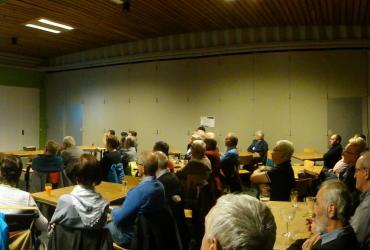 """2de voordrachtavond met VRT journalist Peter Verlinden. """"Massamedia: Vredesduiven of oorlogstokers"""""""